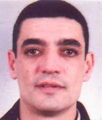 48 Luis Mata