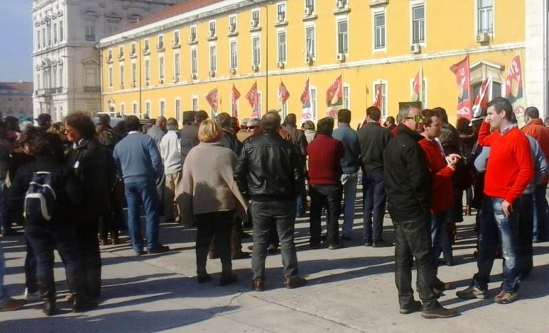Concentração Stal Ministério Finanças 27-1-15.jpg 2