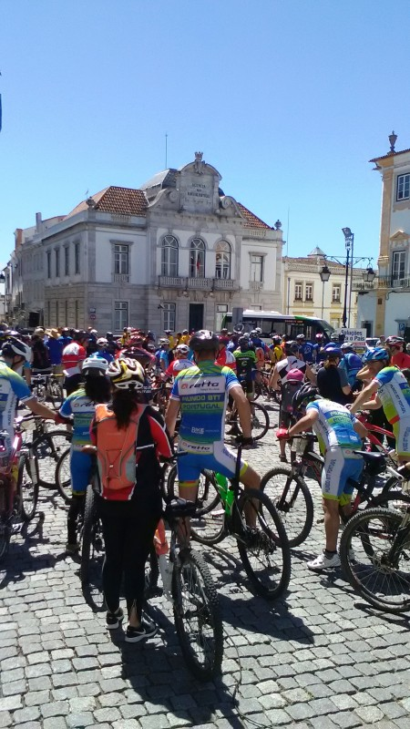 10Praça Giraldo - Ciclistas 2